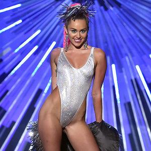 Miley Cyrus Outfits at VMAs 2015