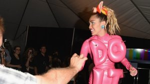 Miley Cyrus Passed Around a Joint (Yes, Really) in the VMA Press Room