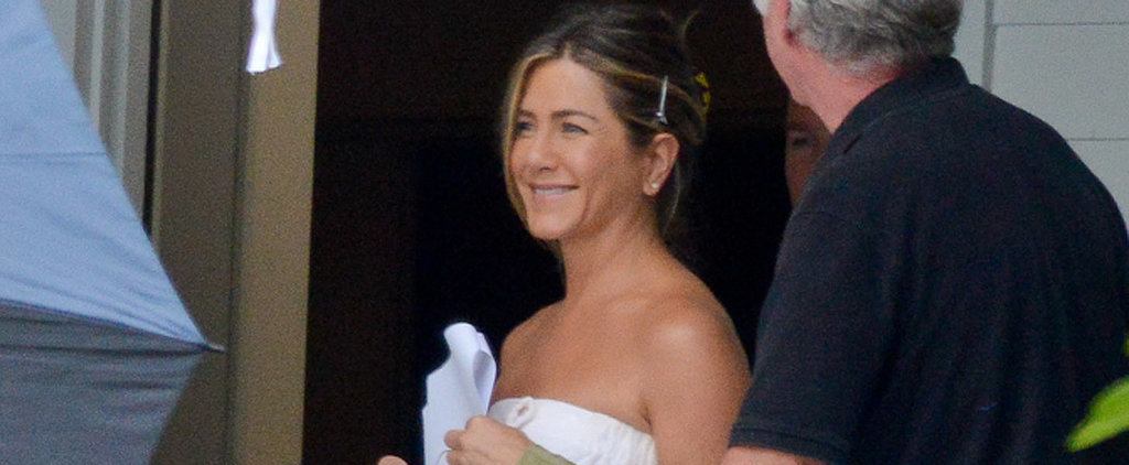 Towel-Clad Jennifer Aniston Steps Out With a Smile on the Set of Mother's Day