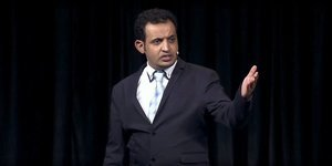 7 presentation tips from the 2015 world champion of public speaking
