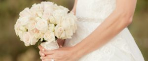 11 White Wedding Bouquets That Are Simply Perfect