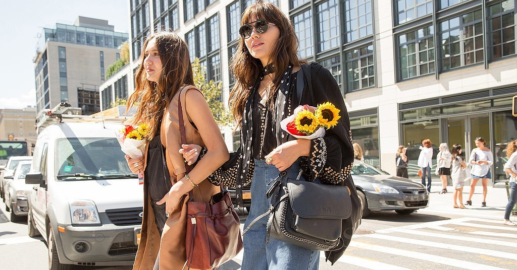 New york fashion week spring 2016 32 belles of new york fashion week 39 s street style scene Street style new york fashion week spring 2016