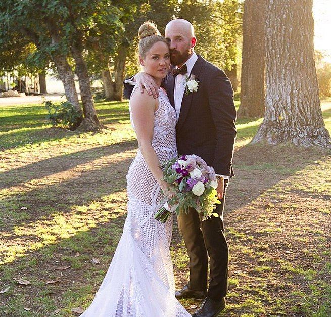 Erika Christensen and Cole Maness held their September 2015 nuptials outside of Palm Springs.