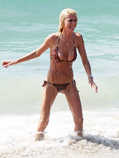 Tara Reid Splashes in Ocean, Shows Thin Figure in Malibu