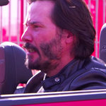 'Keanu Reeves' from the web at 'http://media1.popsugar-assets.com/files/2015/10/08/681/n/1922283/0ab26f85_edit_img_image_2387502_1444317218.150square/i/Jimmy-Kimmel-Speed-Parody-Keanu-Reeves.jpg'