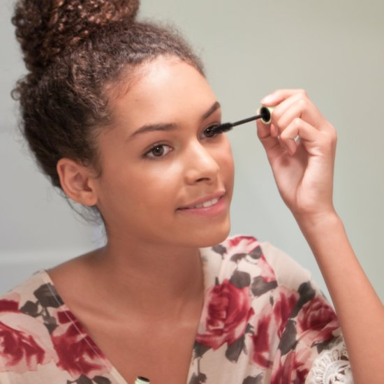 3 Things You Should Always Do Before Applying Mascara