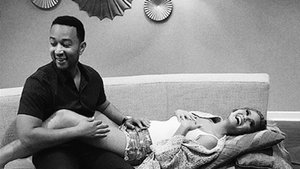 Chrissy Teigen Announces Her First Pregnancy With John Legend