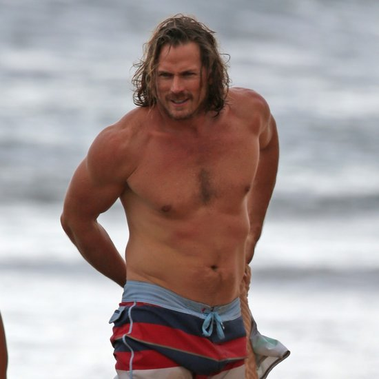 Jason Lewis Shirtless in Hawaii Pictures