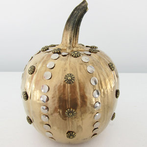 How to Make Metallic Studded Halloween Pumpkin