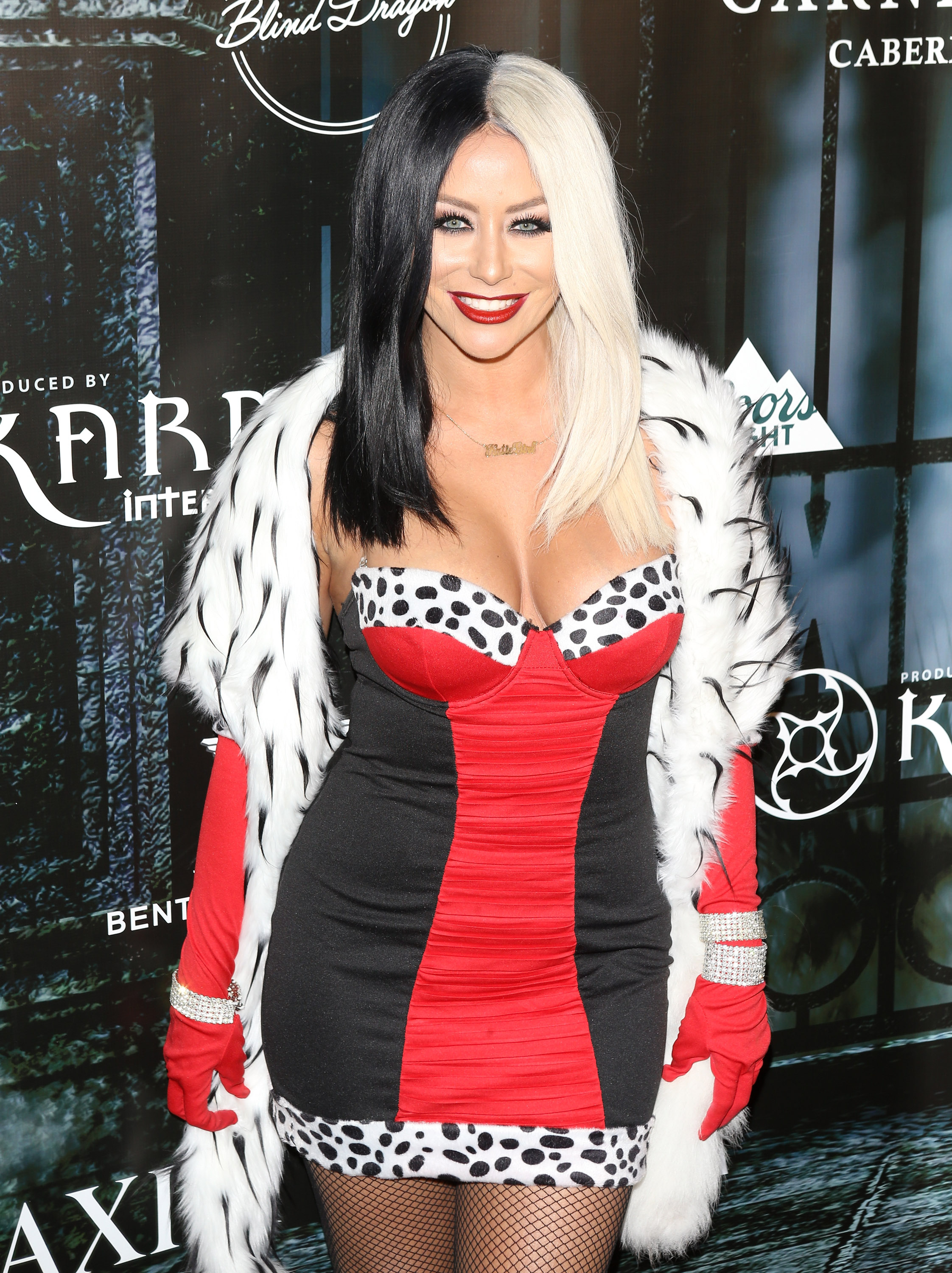 aubrey o 39 day as cruella de vil all the celebrity. Black Bedroom Furniture Sets. Home Design Ideas