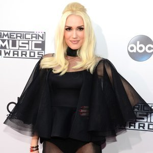 Gwen Stefani at the American Music Awards 2015
