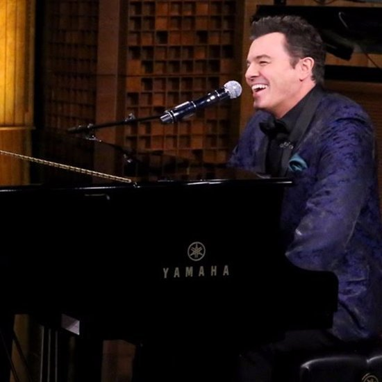 Seth MacFarlane Sings Yahoo Answers on The Tonight Show
