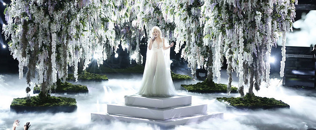 """Watch Gwen Stefani Transform Into a Literal Goddess While Performing """"Used to Love You"""""""