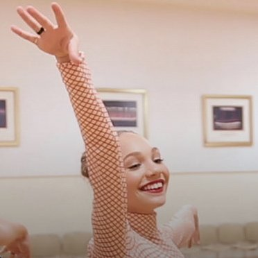 Maddie Ziegler Dancing With the Rockettes Video