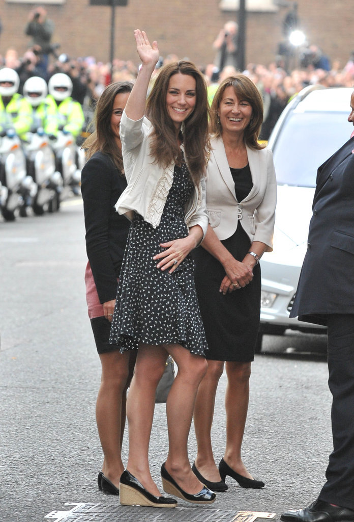 Kate Middletons Mom Style Pictures