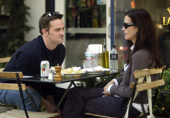 Everyone Still Wants Courteney Cox and Matthew Perry to Get Together IRL