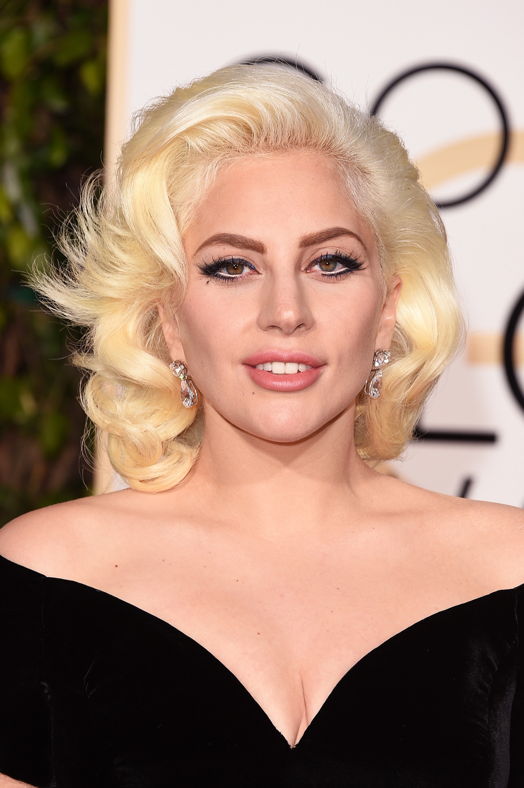 Lady Gaga's Golden Globes Makeup 2016 | POPSUGAR Beauty Lady Gaga