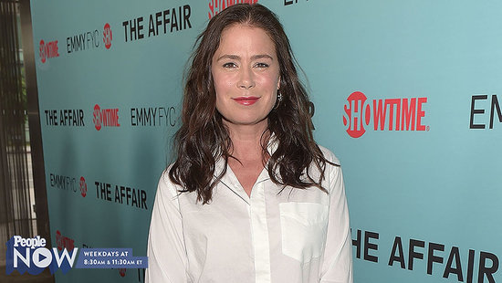 Maura Tierney Wins the 2016 Golden Globe for Best Supporting Actress in a Television Series