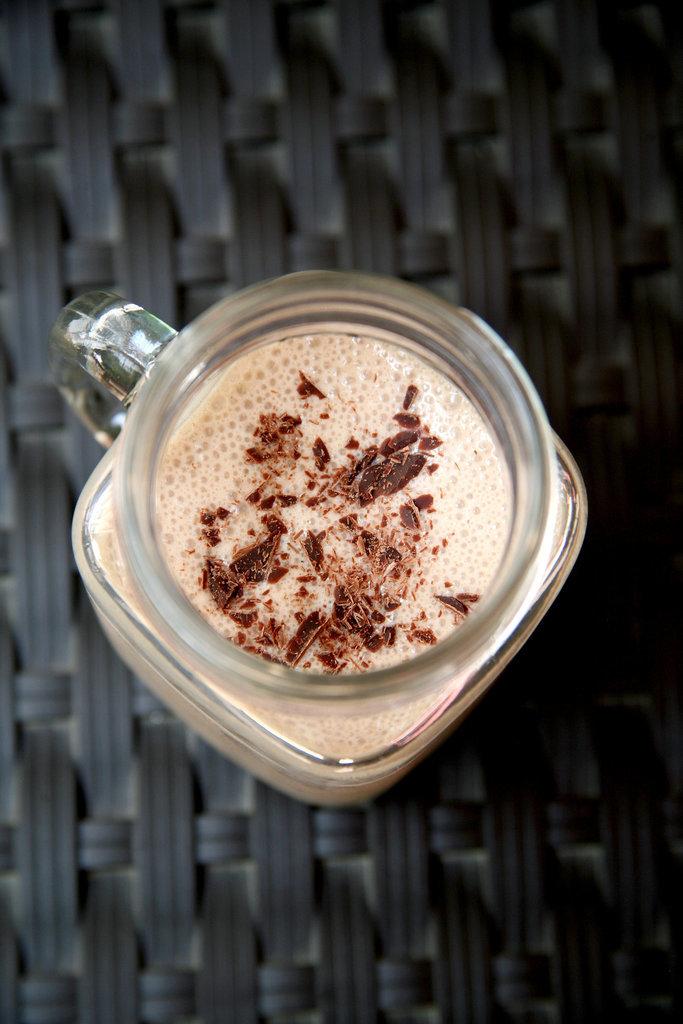 Low-Calorie Chocolate Almond Smoothie