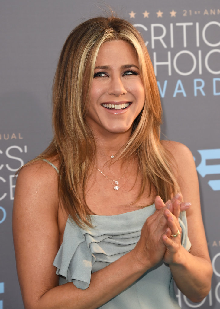 Jennifer Aniston's Hair at the 2016 Critics' Choice Awards | POPSUGAR... Jennifer Aniston