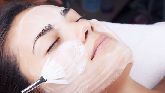 Everything You Need To Know Before Trying An At-Home Chemical Peel