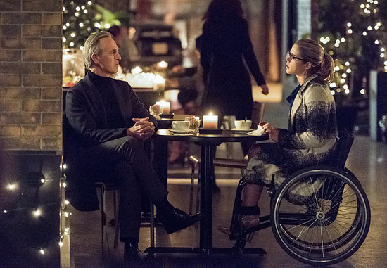 'Arrow' Episode 4.13 Photos: Felicity Bonds with Her Dad