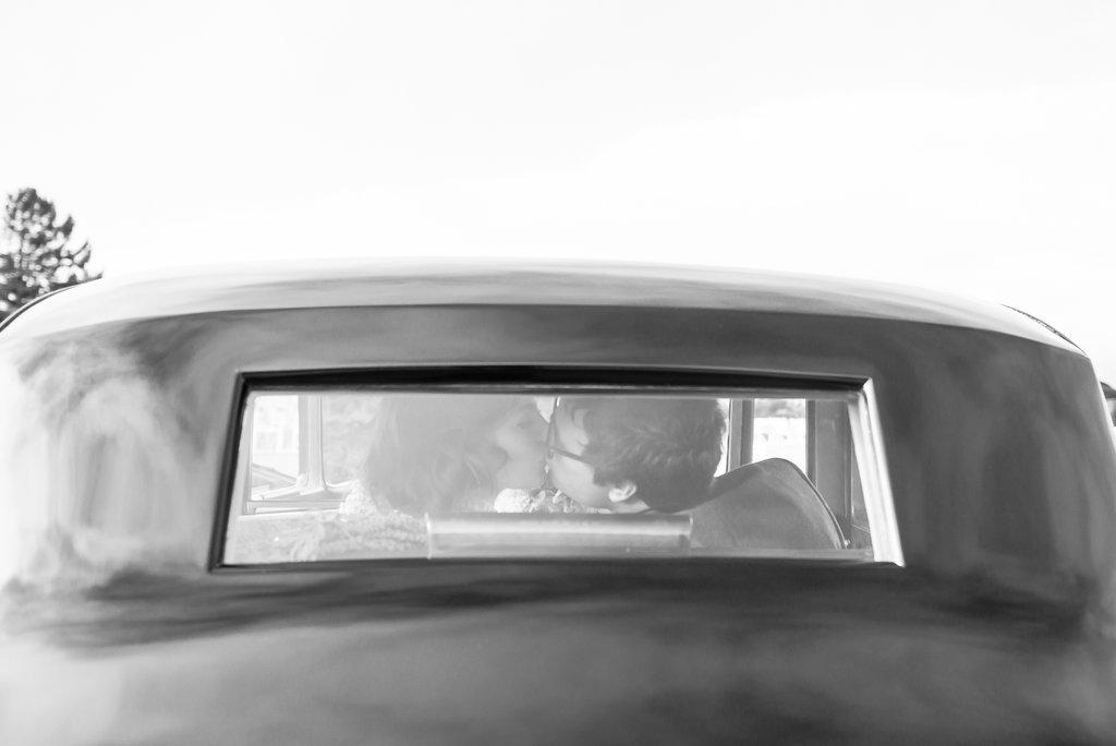 Getaway-Car Kiss