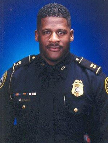 Police Officer Shot Dead While Serving Search Warrant in Atlanta Suburbs