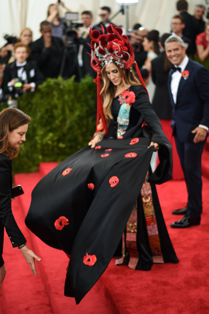 Sarah Jessica Parker in SJP x H&M and a Philip Treacy Headpiece at the 2015 Met Gala