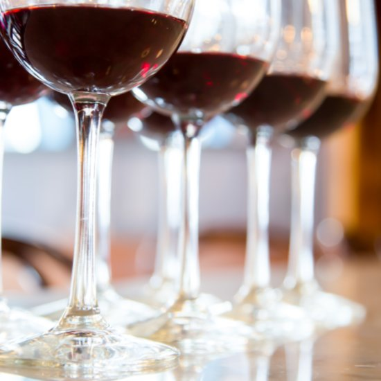 The Wine Tasting Tips Every Hostess Should Know