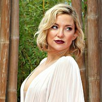 "Kate Hudson talks ""freeballing"" and dating rules for her kids"
