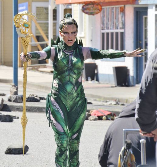 Elizabeth Banks looks like a pretty weed in costume as Rita Repulsa on set of Power Rangers movie in Vancouver