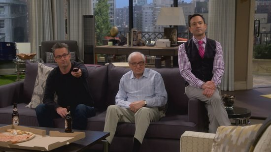 EXCLUSIVE: Garry Marshall Drops by CBS' 'The Odd Couple' as Matthew Perry's Dad -- Get Your First Look!