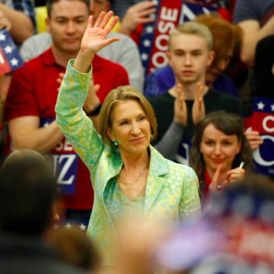 Carly Fiorina Sings During Speech