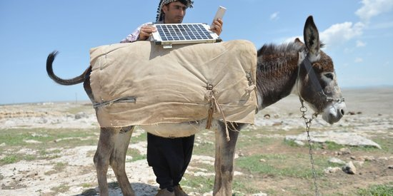 Turkish Shepherds Found An Ingenious Way To Charge Their Smartphones