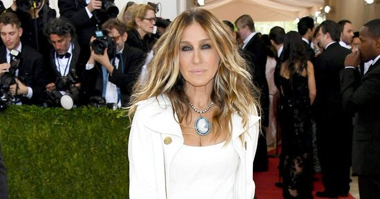 Sarah Jessica Parker Defends Met Gala 2016 Outfit to Critical Fashion Blogger