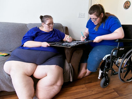 This Formerly 800-Lb. Woman Is Concerned Her Daughter Is Becoming Obese Too: 'She's a Food Addict Like I Am'