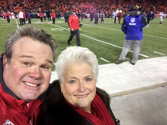 Modern Family's Eric Stonestreet Opens Up About Mother Jamey Surviving Cancer: 'The Key Is Hope'