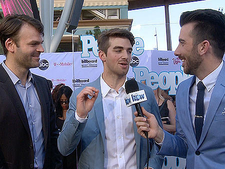WATCH: The Chainsmokers on Khloé Kardashian Taking 30 Minutes in the Bathroom While Their Girlfriends Had to Wait!