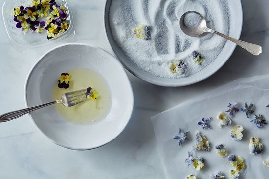 How to Make Crystallized Flowers