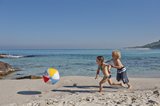 13 Simple but Fun Beach and Pool Games For Kids to Play This Summer