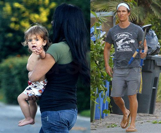 Photos of Matthew McConaughey and Levi Doing Yardwork 2009-10-27 09:19:02