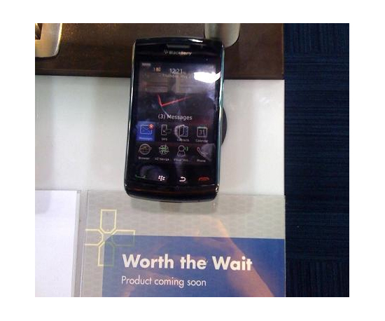 The BlackBerry Storm Appears in Best Buy Stores