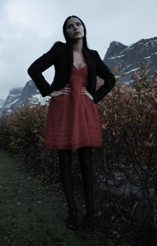Look of the Day: Little Red Dress