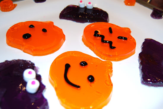 Tasty Halloween Treats Made Out of Jell-O