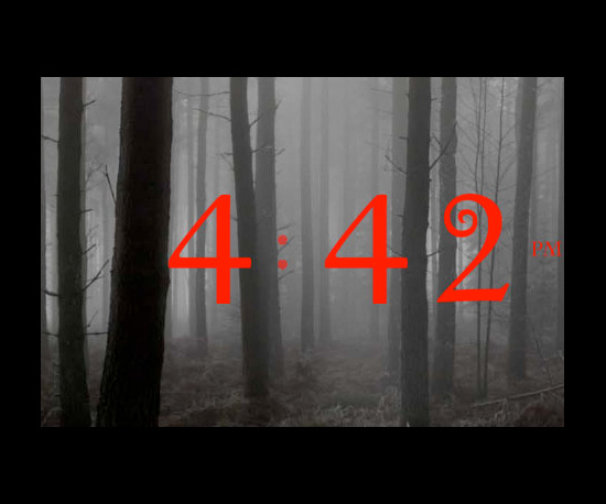 Turn Your iPhone Into a Twilight-Themed Clock
