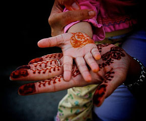 Lil Links: Henna Tattoos May Lead to Skin Problems