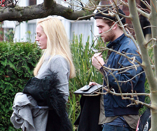 Slide Photo of Robert Pattinson in London with His Sister Lizzy