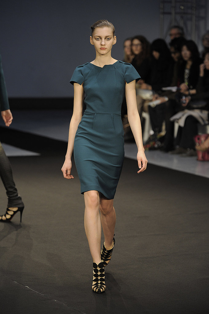 "RM by Roland Mouret Fall 2009: ""The Work of a Local Dressmaker"""