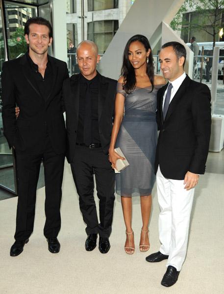 Bradley Cooper, Calvin Klein's Italo Zucchelli, Zoe Saldana in Calvin Klein, Francisco Costa